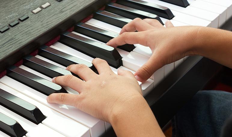 Cómo hacer que tu hijo aprenda a tocar un instrumento musical - Apréndete