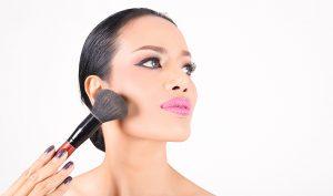 10 cosméticos que no pueden faltar en tu neceser - Apréndete