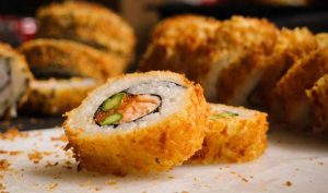 Cómo hacer sushi tempura en casa - Apréndete
