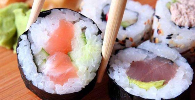 Cómo hacer sushi futomaki paso a paso - Apréndete