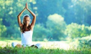Aprende cómo combinar natación y yoga