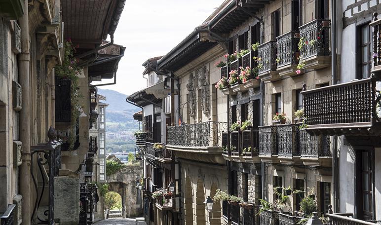 Ruta por pueblos medievales de España - Hondarribia
