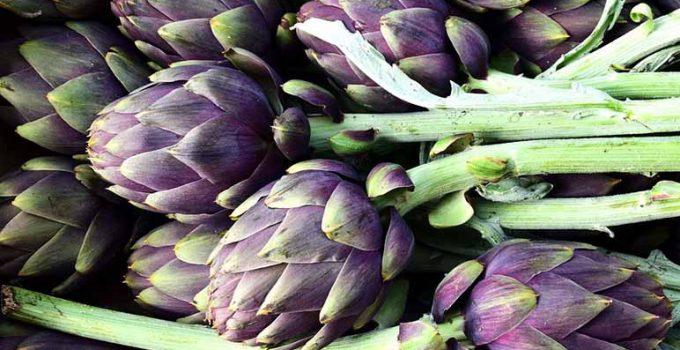 Cómo preparar alcachofas con ajo y parmesano