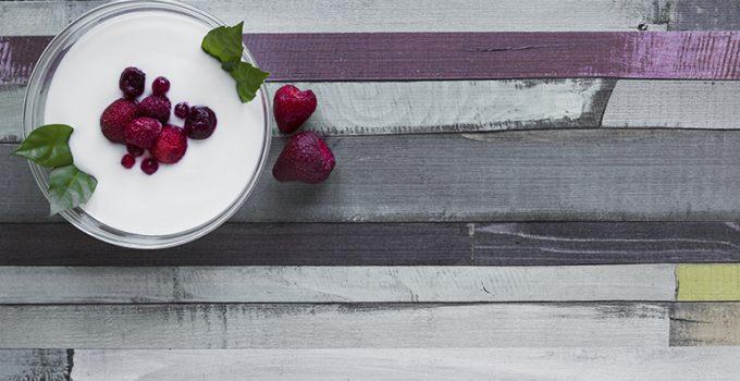 5 mitos falsos sobre el yogur que te sorprenderán - Apréndete