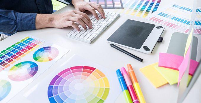 Hazte diseñador gráfico y trabaja mientras conoces mundo - Apréndete